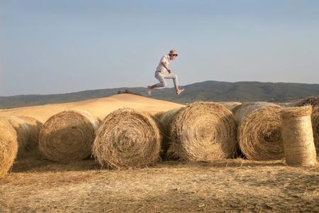 ni�o saltando: Pa�s Salto Chico
