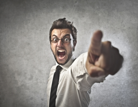 despido: Hombre de negocios enojado