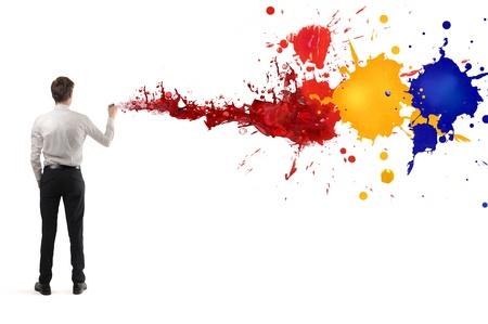 body paint: hombre de negocios joven volvi� la espalda dibujo en la pared blanca Foto de archivo