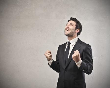 empresario: hombre de negocios feliz con su �xito