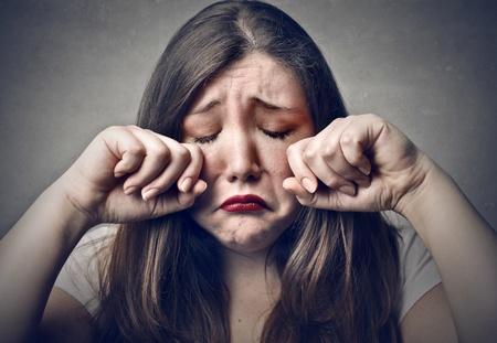 mujer llorando: mujer joven triste llanto Foto de archivo