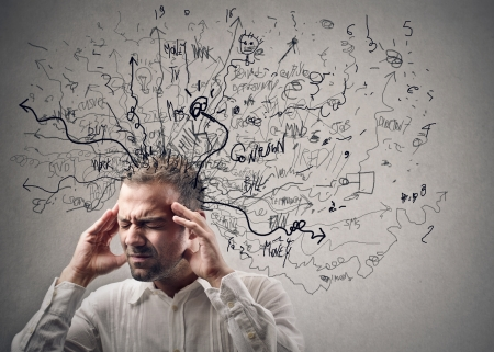 mente: joven tiene confusi�n en su cabeza Foto de archivo