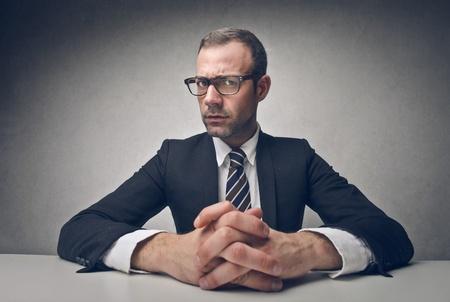 仕事: 人類の seriuos ビジネスマンの肖像画