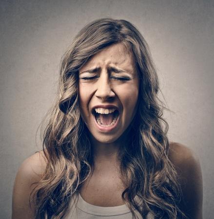 mujer llorando: gritos de la mujer Foto de archivo