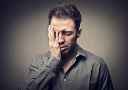 decepción: hombre desesperado