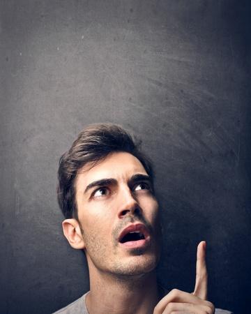 man thinking: pens?e de l'homme
