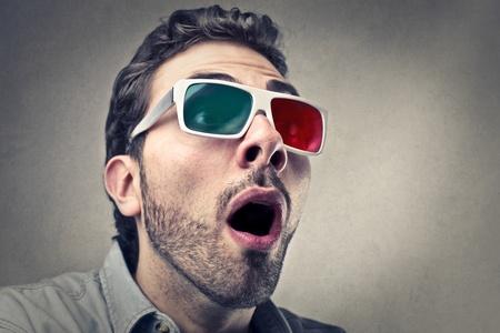 stupor: hombre sorprendido con gafas 3D Foto de archivo