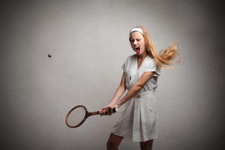 woman playing tennis photo