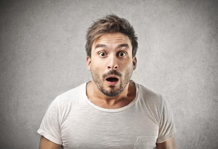 cara sorpresa: hombre sorprendido Foto de archivo