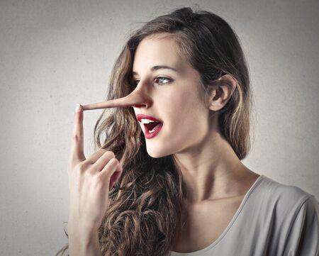 honestidad: mentiroso