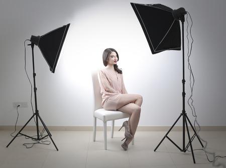 vrouw op een studio fotoshoot