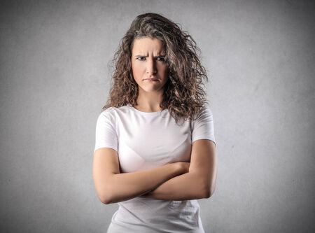 femme triste: Fille en col�re