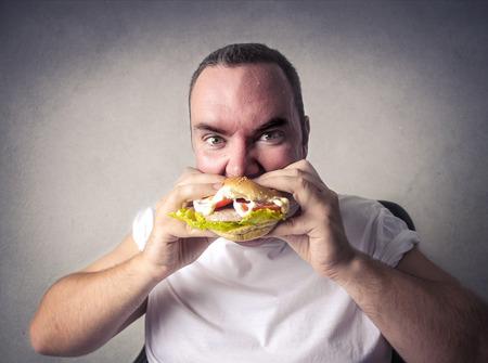 junky: Eating an hamburger