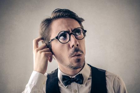 hombre pensando: Hombre de pensamiento
