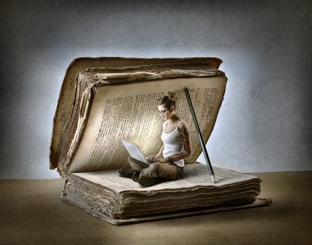 Čtení dobrou knihu Reklamní fotografie