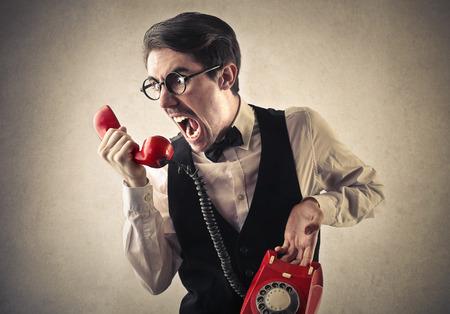 Crier au téléphone Banque d'images - 33105138