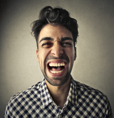 laughing out loud: Hombre que r�e a carcajadas