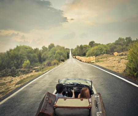 aandrijvingen: Eenzame weg Stockfoto