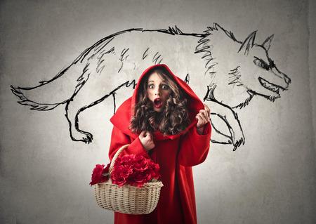 caperucita roja: Little Red Riding Hood es miedo Foto de archivo