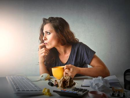 trabajando duro: Empleado Confused