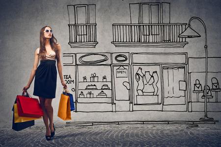 chicas comprando: Dia de compras Foto de archivo