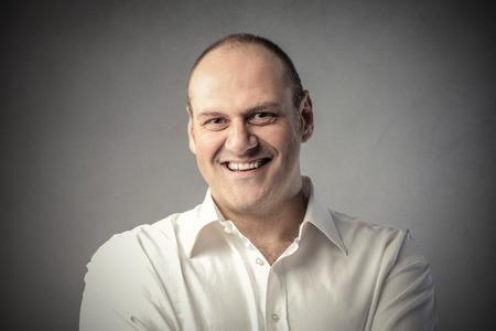 uomo felice: L'uomo sorridente  Archivio Fotografico