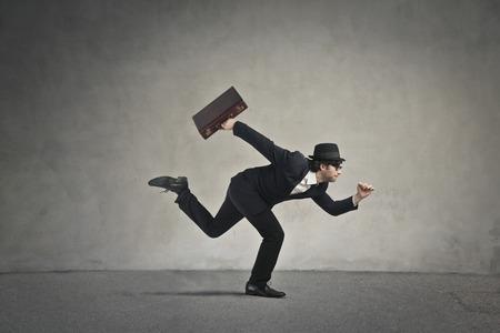 hombre con sombrero: Ejecuci�n de negocio