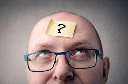 자신에게 질문을하는 사업가 스톡 콘텐츠