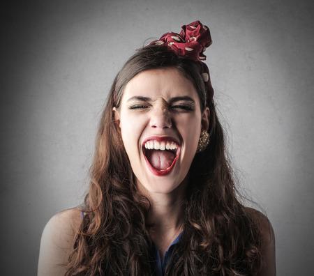 reir: Chica gritando
