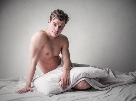 uomo nudo: bell'uomo seduto Archivio Fotografico