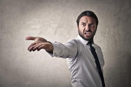 desprecio: Hombre de negocios enojado