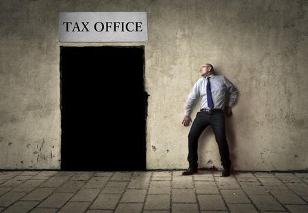 impuestos: Oficina de impuestos
