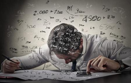 confundido: Hombre de negocios confuso