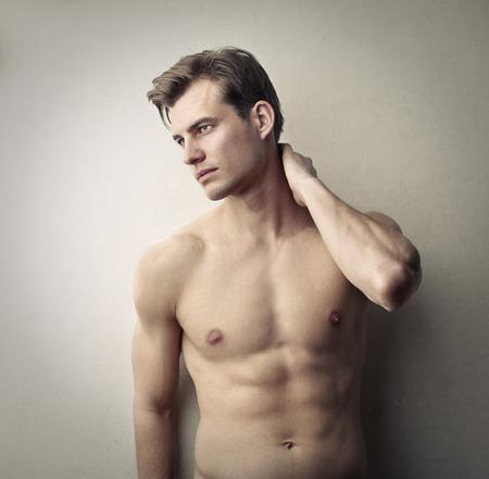 homme nu: Bel homme posant Banque d'images