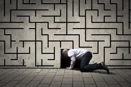 confundido: El hombre de negocios tratando de escapar