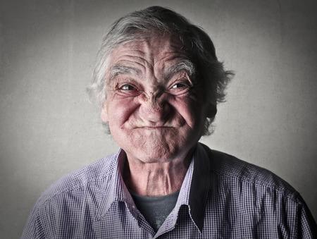 gente loca: Retrato del hombre mayor Foto de archivo