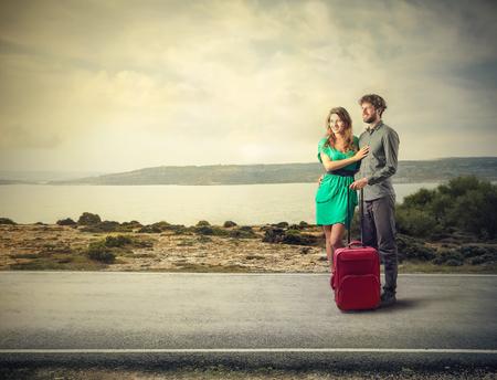 luna de miel: Pareja de viaje de vacaciones