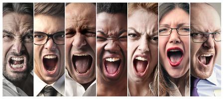volto uomo: Persone che gridavano Archivio Fotografico