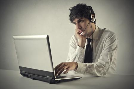 custumer: Employee working in a call center