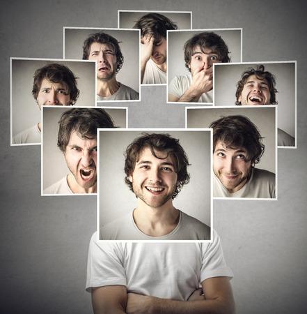 Los diferentes estados de ánimo del mismo hombre Foto de archivo - 47843448