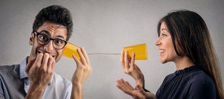 comunicarse: Tratando de comunicarse