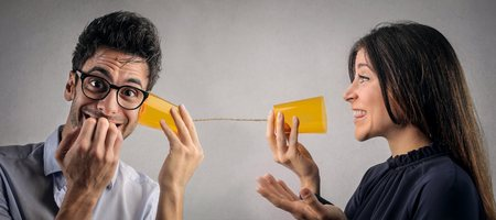comunicar: Tratando de comunicarse