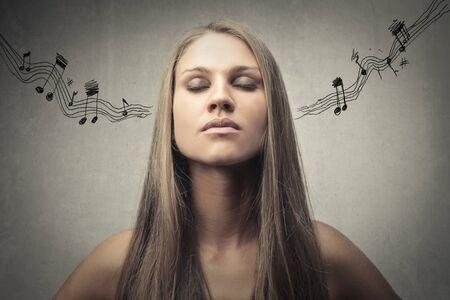 music pentagram: Ascoltando il suono della musica