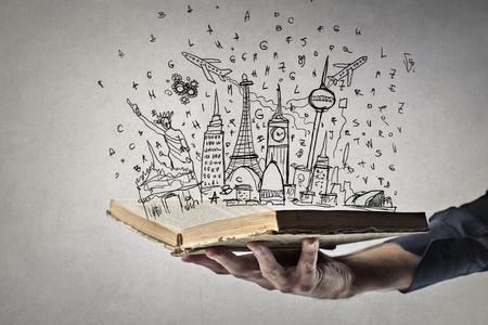 segurar: Um mundo inteiro em um livro Banco de Imagens