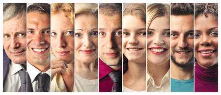 collage caras: Sonreír retratos de la gente Foto de archivo