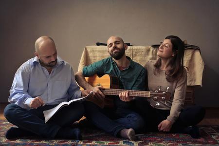 partition musique: Trois amis de chant Banque d'images