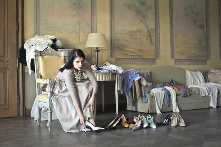 Rich Girl hochhackige Schuhe tragen