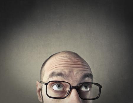 hombre calvo: Pensamiento calvo del hombre Foto de archivo