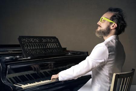 reproducción de música hombre Foto de archivo