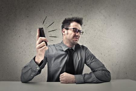 molesto: llamada molesta en el trabajo